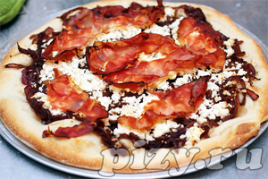 Рецепт пиццы с Рикоттой и красным луком