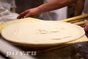 """Рецепт дрожжевого теста для пиццы от шеф-повара ресторана """"Дольче Вита"""""""