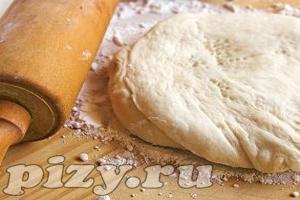 Дрожжевое тесто готовится двумя способами: безопарным и опарным.