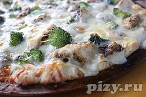 Пицца с соусом Альфредо и курицей