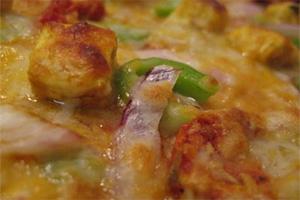 Рецепт пиццы с сыром Панир, болгарским перцем и луком